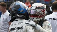 Lewis Hamilton a Valtteri Bottas po náročené kvalifikaci v Maďarsku