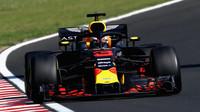 Daniel Ricciardo v závodě v Maďarsku