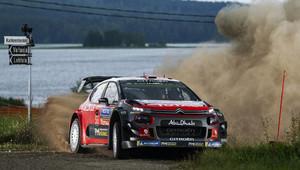 Rally Australia: Po prvním dni vedou Citroëny, Mikkelsen kuriozně havaroval - anotační obrázek