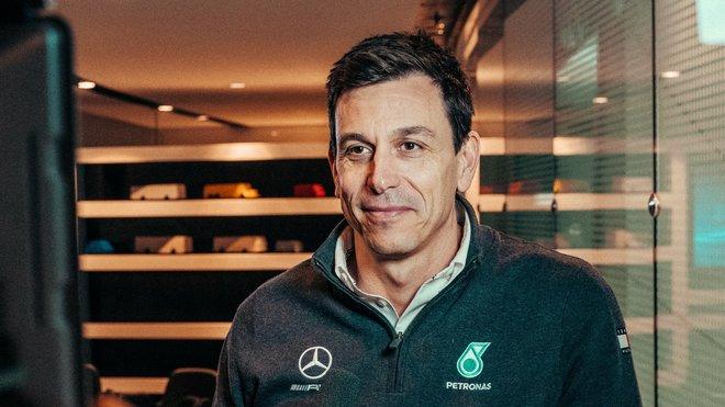 Toto Wolff letos zůstane u Mercedesu, další rok se uvidí