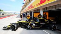 Renault během testů v Maďarsku uprostřed rozjeté sezóny 2018