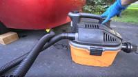 S opravou prasklého výfukového potrubí už si doma může poradit každý šikovný kutil