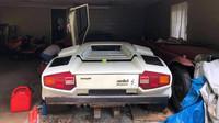Vzácné Lamborghini Countach stojí přes 20 let ukryto v garáži spolu s dalšími skvosty