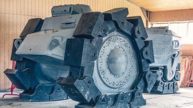 Alkett VsKfz 617 Minenräumer v ruském tankovém muzeu v Kubince (Zdroj:Wikimedia/ Alf van Beem)
