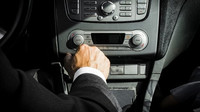 Jak se chovat k manuální převodovce? Tohle by měl vědět každý řidič - anotační foto