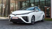 Vodík jako palivo budoucnosti? Nová Toyota Mirai brzy strčí elektromobily do kapsy - anotační foto