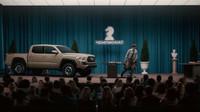 Podpis Chucka Norrise udělal z obyčejné Toyoty Tacoma akčního hrdinu