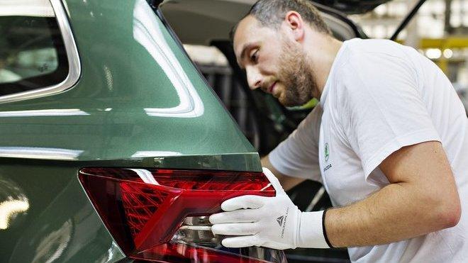 Na počátku srpna sjelo z výrobní linky závodu společnosti Škoda Auto v Kvasinách milionté SUV značky Škoda. Jubilejní vůz Škoda Karoq zamíří k zákazníkovi ve Španělsku