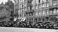Největší prodejna značky L&K/Škoda sídlila na Náměstí Republiky v Praze.