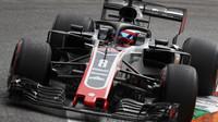Romain Grosjean při pátečním tréninku na Monze