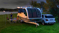Departure One: Elegantní karavan kombinovaný s hausbótem