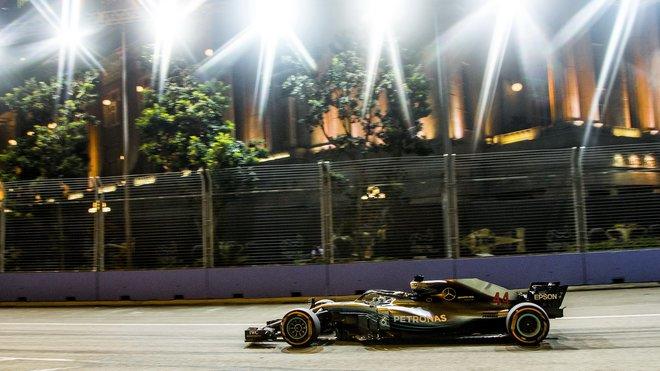 Lewis Hamilton si připisuje další vítězství
