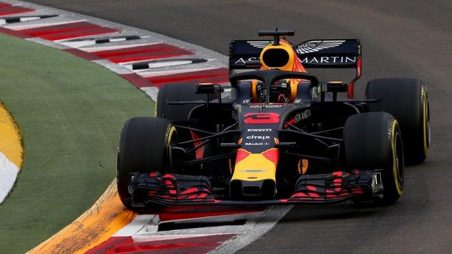Daniel Ricciardo v Singapuru pokračoval se specifikací C motoru Renault