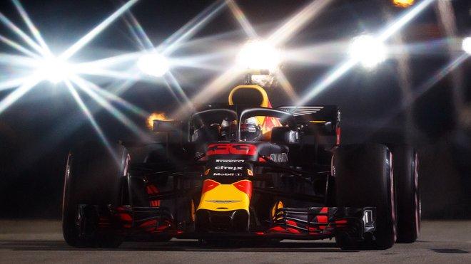 Max Verstappen slavil v Singapuru stříbro, v cíli byl před Sebastianem Vettelem