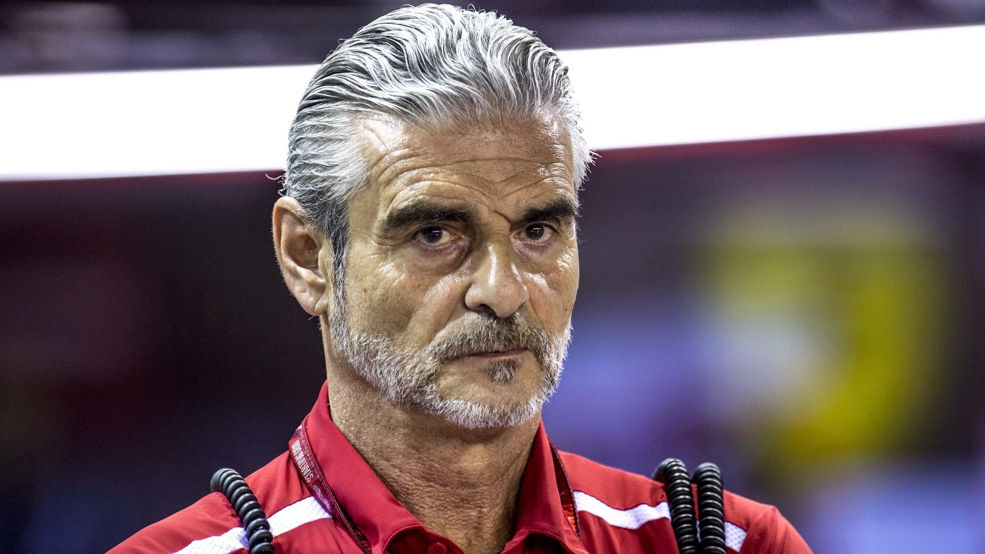 Maurizio Arrivabene v roli šéfa závodního týmu skončil, nahradil jej technický ředitel Mattia Binotto
