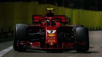 Kimi Räikkönen v závodě v Singapuru