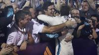 Lewis Hamilton po vítězném závodě v Singapuru