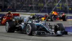 Singapur pro Mercedes bývával nejslabší tratí, nespokojený Wolff ale letos čeká tvrdou bitvu - anotační obrázek