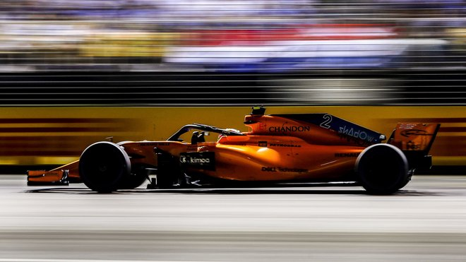 Stoffel Vandoorne s McLarenem v GP Singapuru