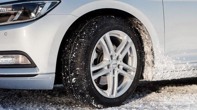 První test zimních pneumatik pro rok 2018 (Uniroyal MS plus 77)