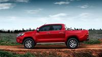 Legendární Toyota Hilux: Dvě tváře jednoho z nejpopulárnějších pickupů na trhu - anotační foto