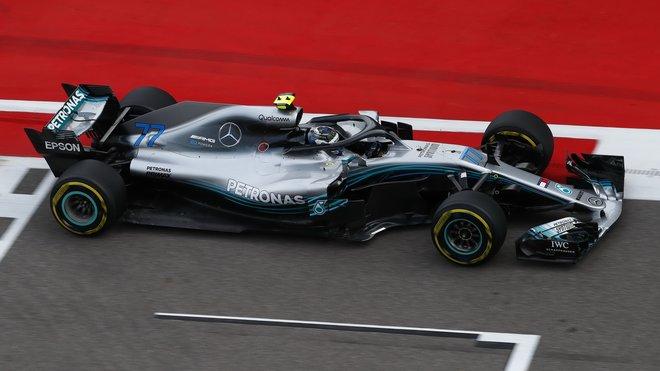 Valtteri Bottas s Mercedesem v Soči