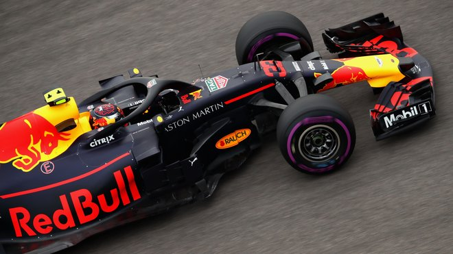 Max Verstappen s Red Bullem