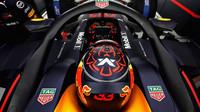 Max Verstappen si během kvalifikace vykoledoval od komisařů další trestné body