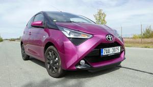 TEST: Toyota Aygo 1.0 VVT-i x-cite: jak se jezdí s minivozem pro ženy? - anotační obrázek