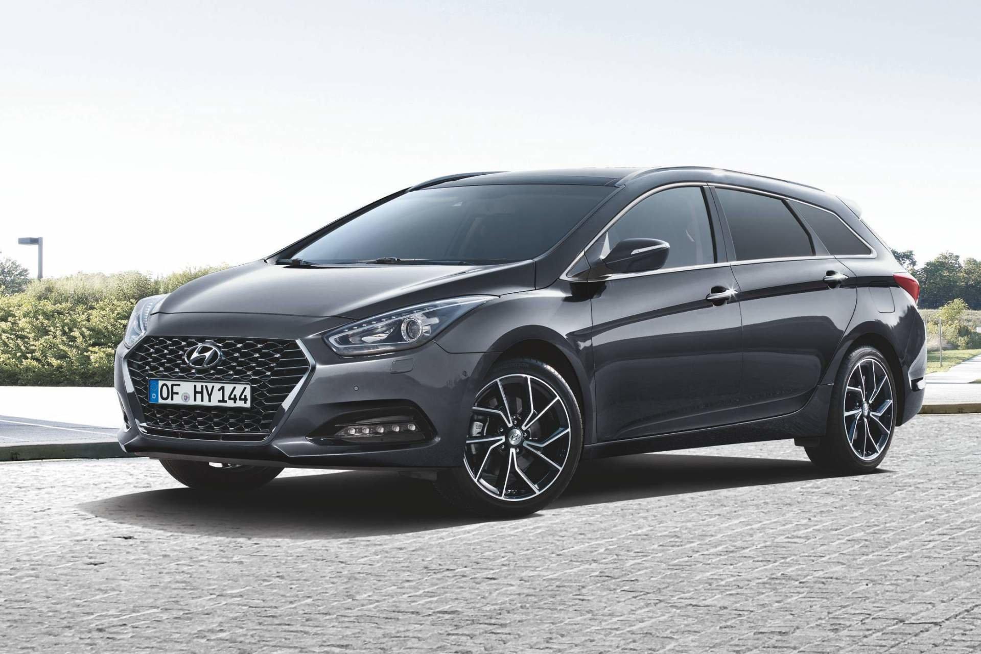 Hyundai omladilo model i40. Kromě nové masky přibyl i nový ...