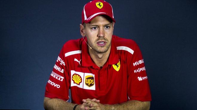 Sebastian Vettel bude mít po kvalifikaci komisařům co vysvětlovat
