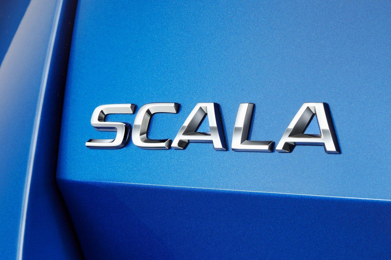 Kromě nejvyspělejších technologií, známých z vozů vyšších tříd, je Škoda Scala také ukázkou dalšího vývoje designového jazyka značky Škoda. Jako první model značky Škoda v Evropě bude mít novinka na pátých dveřích nápis Škoda