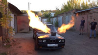 Rusové vyměnili motor BMW e30 za turbínu ze stíhačky. Výsledek je naprosto šílený - anotační obrázek