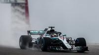 Lewis Hamilton v tréninku v Austinu