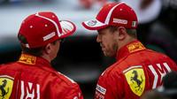 Kimi Räikkönen se Sebastianem Vettelem po kvalifikaci v Austinu