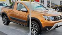 Nová Dacia Duster se dočkala varianty Pick-up, za její stavbou stojí společnost Romturingia