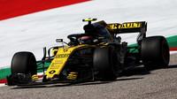 Carlos Sainz v závodě v Austinu