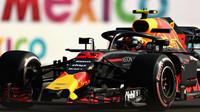 Max Verstappen v tréninku v Mexiku