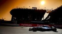 Lewis Hamilton v tréninku v Mexiku