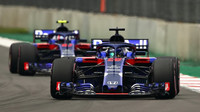 Brendon Hartley a Pierre Gasly v kvalifikaci v Mexiku