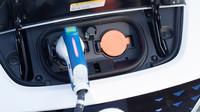 Kritici elektromobilů přišli o další argument, na zdroji energie totiž tolik nezáleží - anotační obrázek