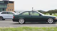 Srovnání Hyundai i30N a BMW e36 328i (YouTube/carwaw)