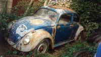 """Kniha """"KdF Typ 60L 1941"""" mapuje historii a renovaci nejstaršího dochovaného sériové vyrobeného Volkswagenu Beetle, který strávil většinu svého života v Česku"""
