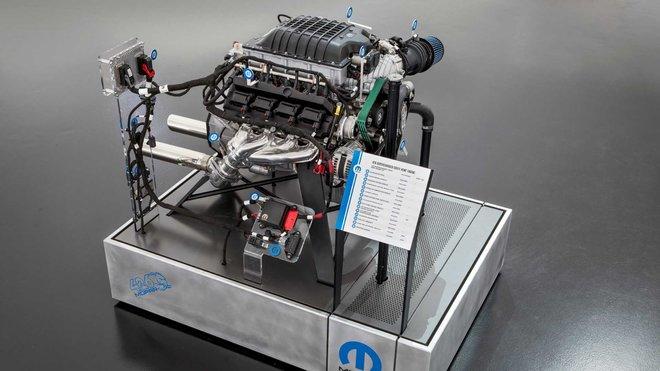 """Dodge a Mopar představili nový motor 426 Hemi 'Hellephant', který se poprvé představil pod kapotou upravené Dodge Charger z roku 1968 """"Super Charger"""""""
