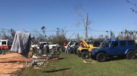 Členové Bay Area Jeep Association - BAJA se vydali na pomoc obětem hurikánu Michael (Facebook / Bay Area Jeep Association - BAJA)