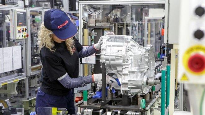 Toyota začíná  v Evropě vyrábět hybridní převodovky