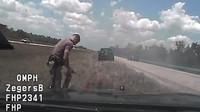 Kvůli překročení rychlosti skončil policejní vůz v plamenech