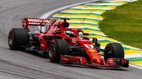 Sebastian Vettel s Ferrari SF71H v Brazílii