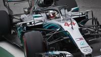 Lewis Hamilton s Mercedesem F1 W09 EQ Power+ v Brazílii