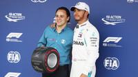 Felipe Massa a Lewis Hamilton po kvalifikaci v Brazílii